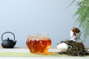 有的红茶很香甜?是加了香精吗?