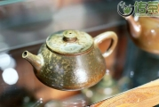 宜兴紫砂壶泡茶最好?云南人表示不服!带你看看建水紫陶制作过程